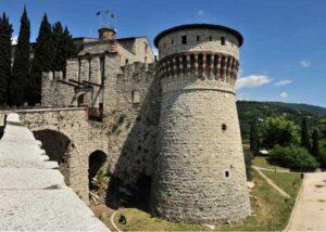 torre dei proigionieri e ponte levatoio castello brescia Visita online: il Castello di Brescia
