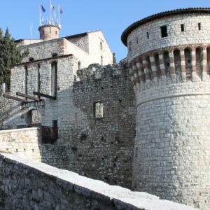 Castello di Brescia ingresso cinta Viscontea