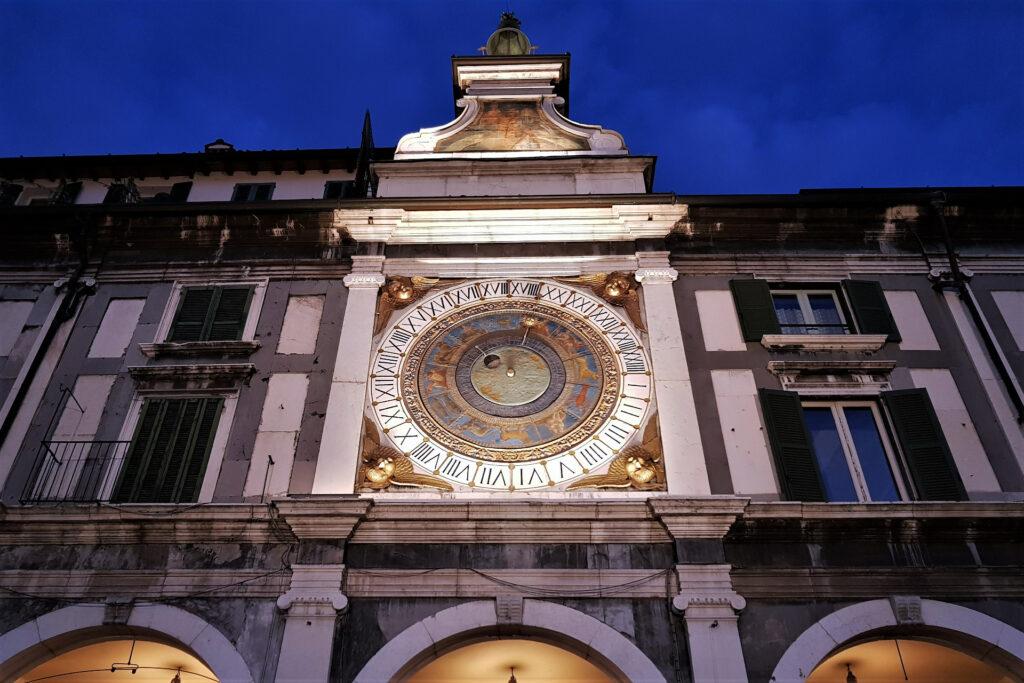 Quadrante dell'orologio astronomico in pazza della Loggia a Brescia