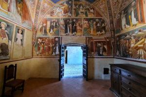 Interno della cappella di San Domenico a Tavernole in Valcamonica