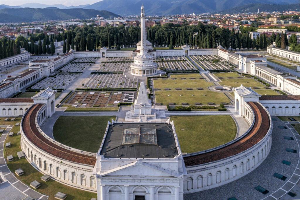 Veduta del Cimitero Vantiniano di Brescia dall'alto